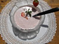 Hideg tejszínes eperkrémleves
