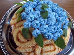 Áfonyás-túrós Charlotte torta